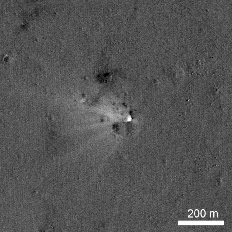 Il cratere d'impatto di LADEE ripreso da LRO