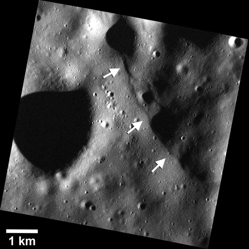 Mercurio: piccole scarpate individuate dalla sonda MESSENGER