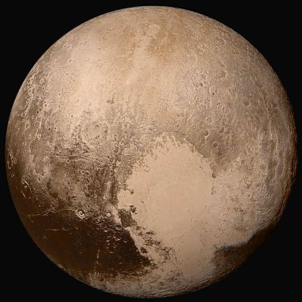 Plutone - colori reali