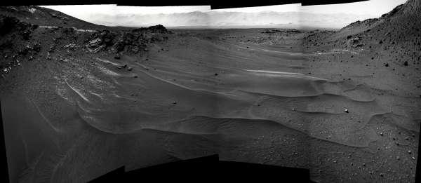 Curiosity NavCam sol 957