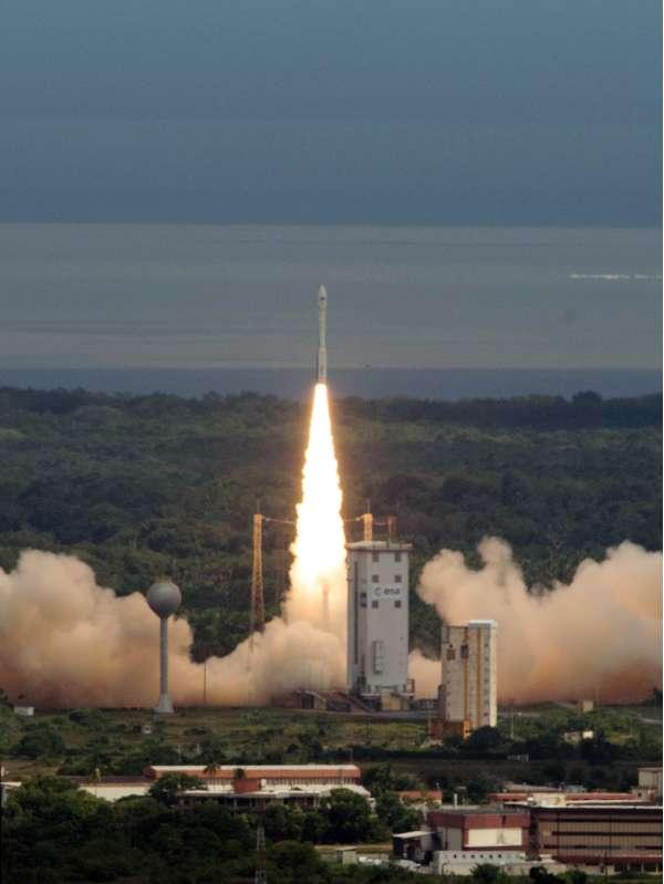 Vega VV04 IXV Liftoff