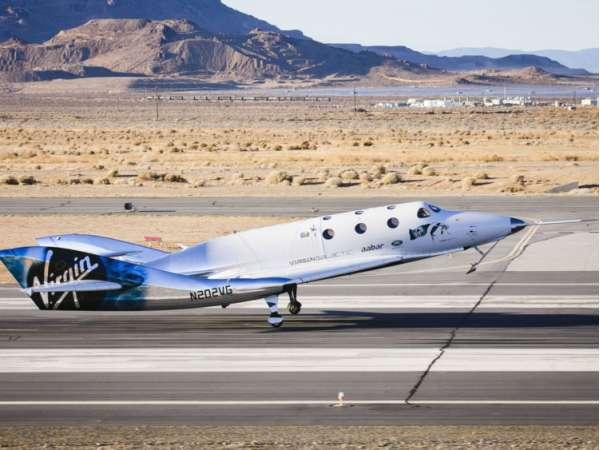 SpaceShipTwo in atterraggio