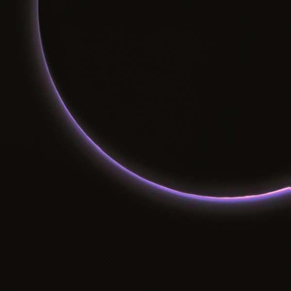 Pluto Haze LORRI 2015-07-14 stack rgb