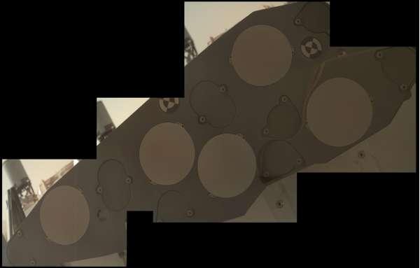 Curiosity MAHLI  sol 1076 - Organic Check Material