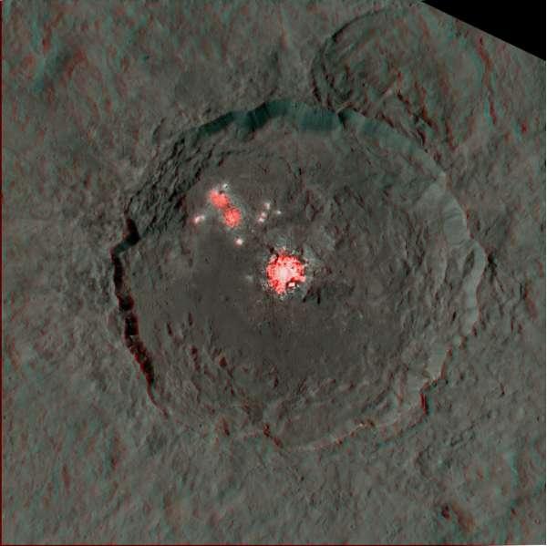 NASA Dawn - Cerere: cratere Occator, anaglifo
