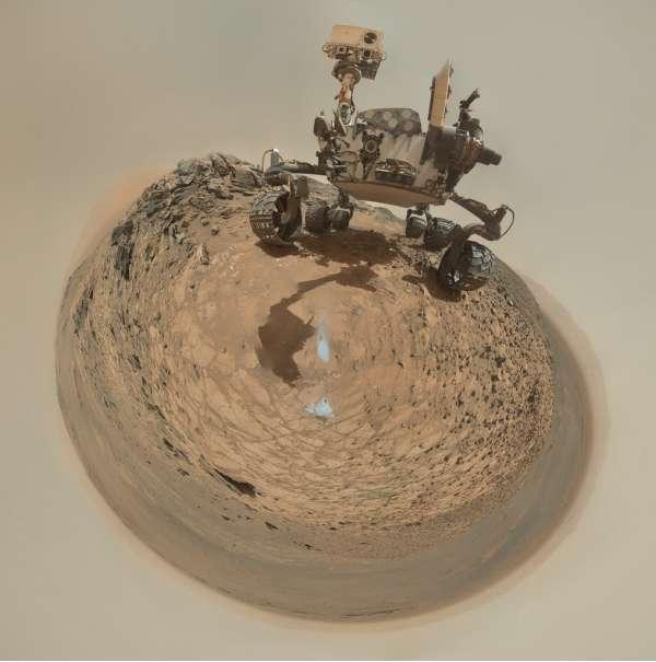 Curiosity MAHLI sol 1065 selfie