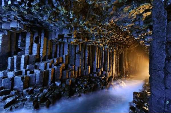 fingals cave scotland