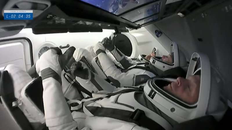 iss exp65 crew2 crew inside prelaunch