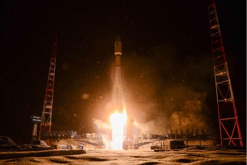 russia soyuz2 1b lotos 1 liftoff