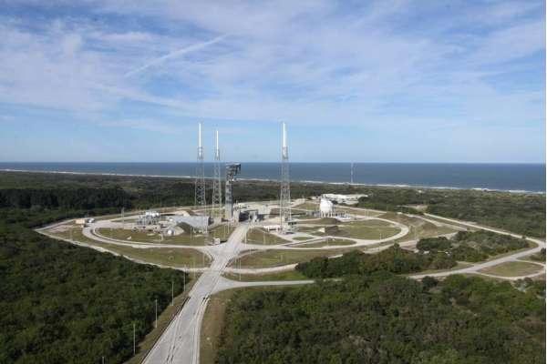 a rampa di lancio LC-41 dedicata ai lanci del vettore Altas 5. Si nota la nuova Torre di Accesso Equipaggio.