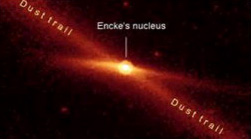 Cometa Encke fotografata da Spitzer - Courtesy NASA/JPL-Caltech and M. Kelley, Univ. of Minnesota)