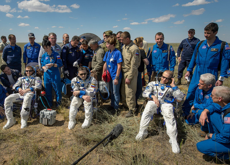 iss exp47 crew soyuztma19m outside
