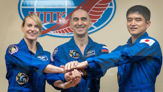 iss exp48 soyuzms01 crew prelaunch