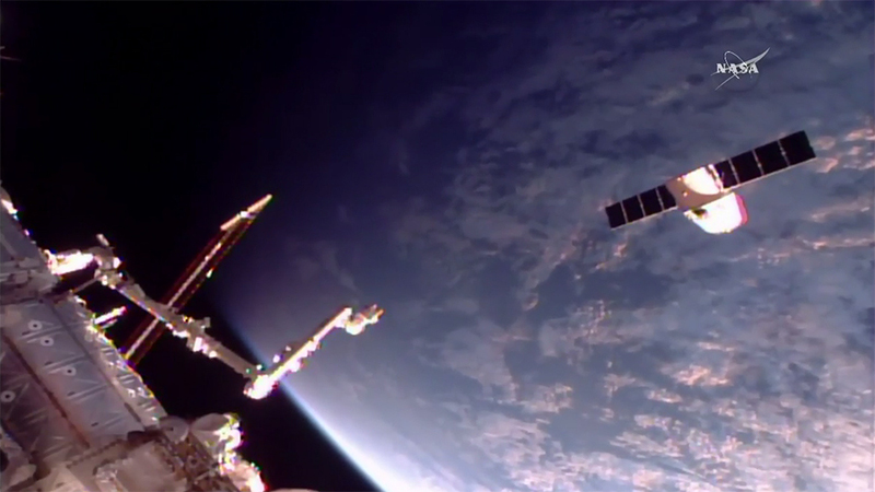 iss exp52 dragon crs11 release