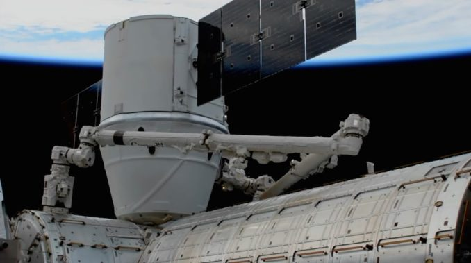 iss exp53 crs13 dragon berthed 678x379