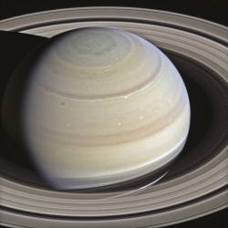 Saturn W00089492-93-94 (red grn bl) - on September 12, 2014