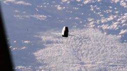 La Dragon fotorafata dalla ISS stamattina