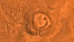 Un mosaico digitale di Arsia Mons, costruito a partire dalle immagini del Viking 1 Orbiter.