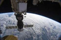 Nella foto la Soyuz MS-09 attraccata alla ISS.