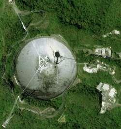 L'osservatorio di Arecibo fotografato da satellite