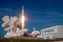 Successo per il volo inaugurale del Falcon Heavy della SpaceX